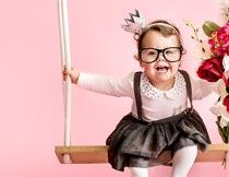 荡秋千的小女孩艺术写真摄影图片