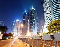 繁华的上海都市夜景摄影图片
