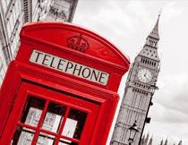 伦敦大本钟与红色电话亭摄影图片