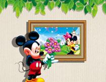 手里拿着花的米奇影楼背景高清图片