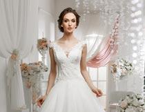 高中优雅的美丽婚纱新娘摄影图片