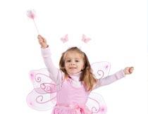 拿着魔棒的可爱精灵小公主摄影图片