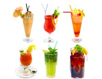 六杯不同口味的水果鸡尾酒摄影图片