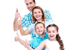 开心竖起大拇指的四口之家摄影图片