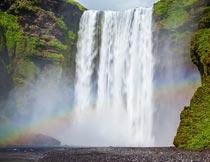 气势磅礴的瀑布与彩虹美景摄影图片