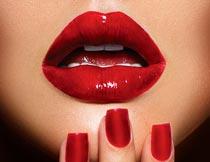 性感诱人的红唇美甲美女摄影图片