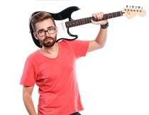 搞着吉他戴眼镜的欧美帅哥摄影图片
