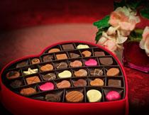 情人节心形巧克力礼盒高清图片
