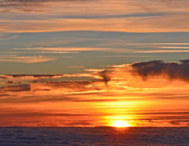 海平面上的夕阳美景摄影高清图片