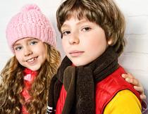 秋冬季装扮两个女孩摄影高清图片