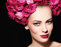 笑着的红唇浓妆美女摄影高清图片