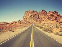 蓝天大山道路风光摄影高清图片