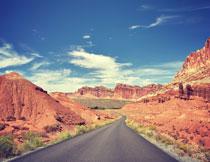 天空白云公路景观风光摄影图片