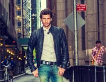 街上的男装服饰模特摄影高清图片
