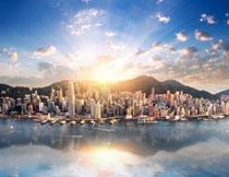 依山傍水城市建筑摄影高清图片