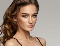 披肩卷发美女写真摄影高清图片