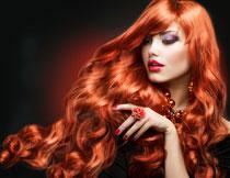 红发浓妆美女模特摄影高清图片