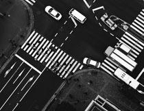 黑白分明路口交通摄影高清图片