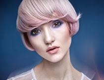 齐耳短发妆容美女摄影高清图片
