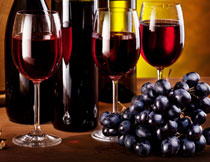 葡萄核桃与葡萄酒红酒高清图片