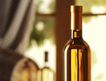 尚未开启的葡萄酒摄影高清图片