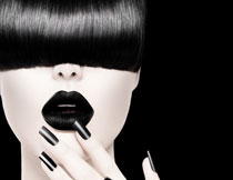 浓重黑色唇妆美女摄影高清图片