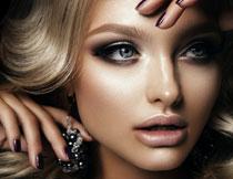 金发妆容美女写真摄影高清图片