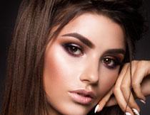 化妆效果披肩长发美女高清图片