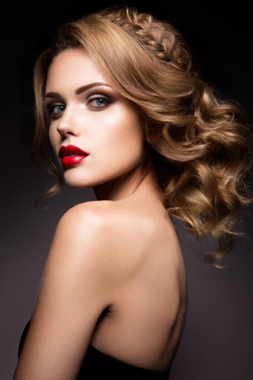 抹胸露背装扮红唇美女高清图片 - 思缘设计素材共享