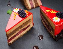 精心制作的巧克力蛋糕高清图片