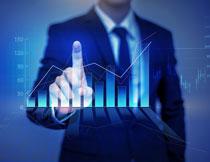 人物手势与统计图创意高清图片