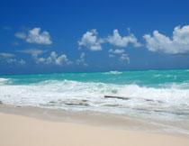 蓝天白云大海风光摄影高清图片