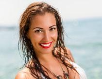 湿发红唇美女写真摄影高清图片