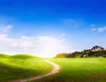 蓝天白云草地风光摄影高清图片