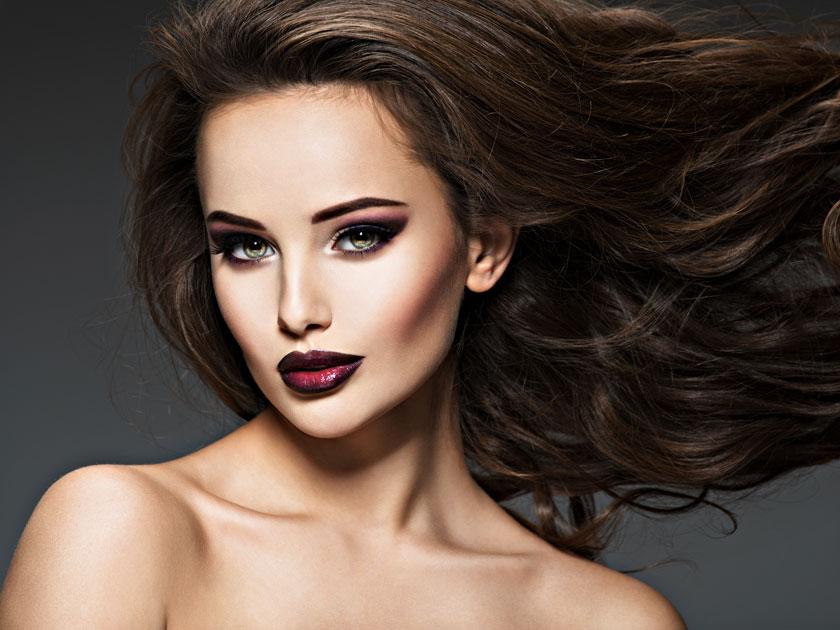 披肩卷发浓妆美女摄影高清图片图片