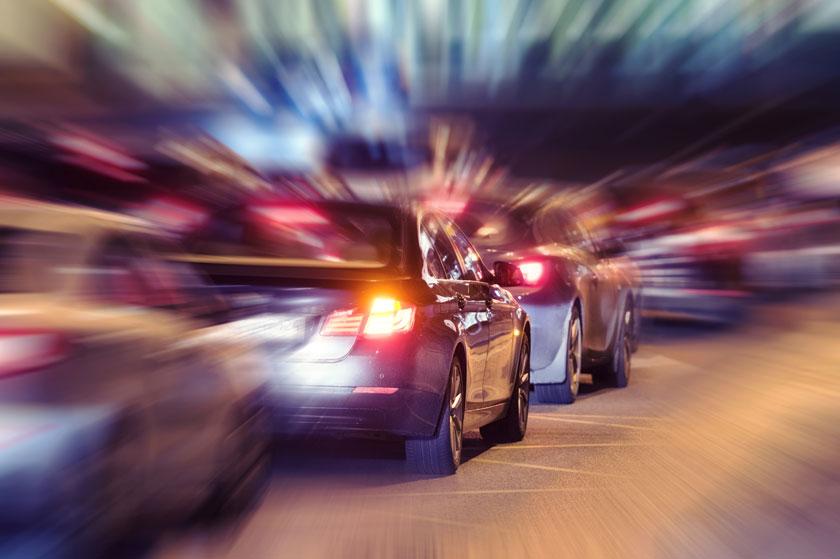 散发着光芒的汽车创意高清图片