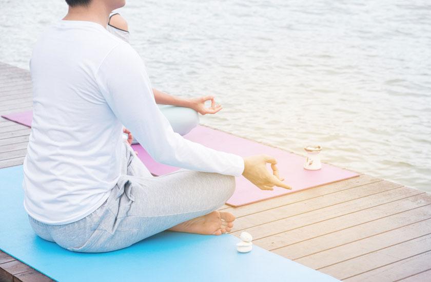 健身运动 > 素材信息   关键字栏: 人物运动健身近景特写局部瑜伽坐着