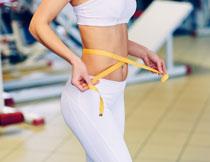 白色运动装的健身人物高清图片