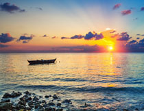 浩瀚大海晚霞风光摄影高清图片