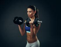 力量训练健身美女摄影高清图片