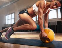 综合力量锻炼美女人物高清图片