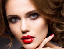红唇美甲人物特写摄影高清图片