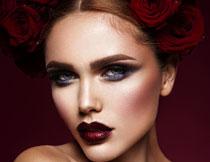 玫瑰发饰浓妆美女摄影高清图片