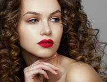 大红色的唇妆美女摄影高清图片