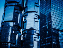 蓝天背景的城市建筑物高清图片