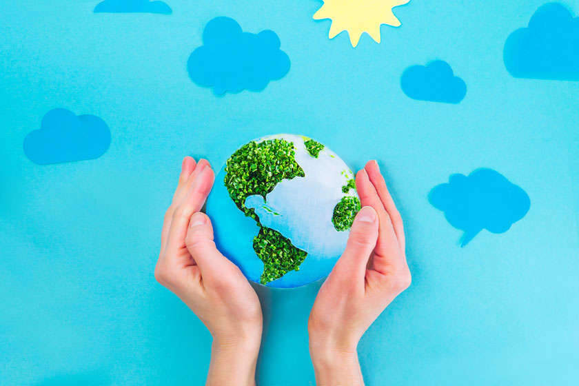 被双手呵护的地球创意高清图片 - 思缘设计素材共享