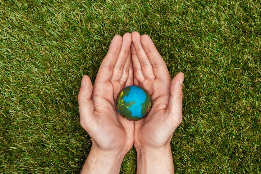 手心里的地球模型创意高清图片 - 思缘设计素材共享