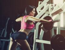 运动装扮健身美女人物高清图片