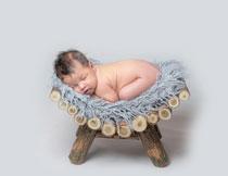 撅着屁股睡觉的小宝宝高清图片