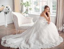 拖尾长裙婚纱美女摄影高清图片